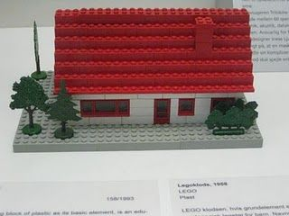 This Is Exactly The Kind Of Lego House I Used To Build And Imagine How Excited I Was When They Introduc Childhood Toys My Childhood Memories Childhood Images