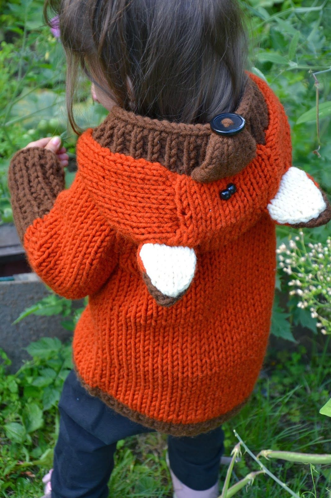 e188346ae51 Knitted Fox Sweater .... I could never do this... but it was just too cute  not to pin! ... dw