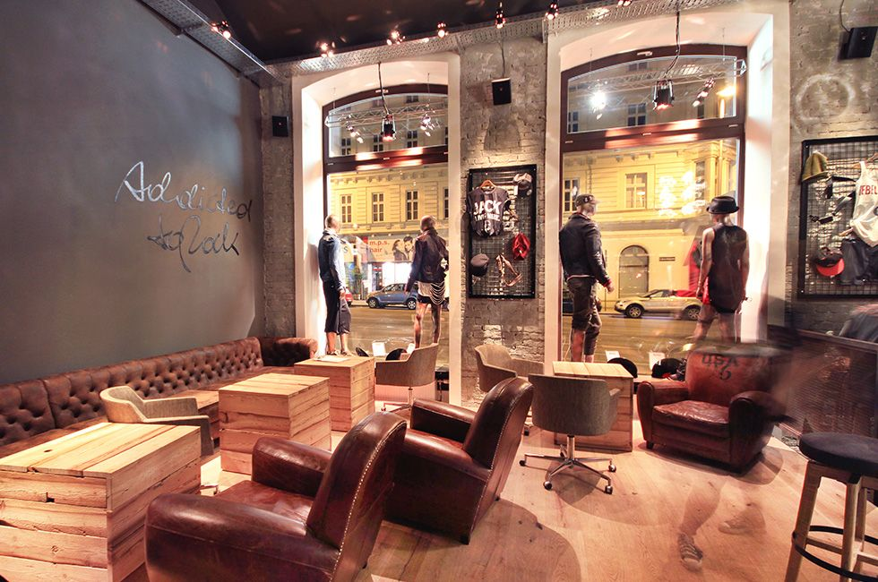 addicted to rock//Vienna//shop design//bar//restaurant//fashion//leather//show case
