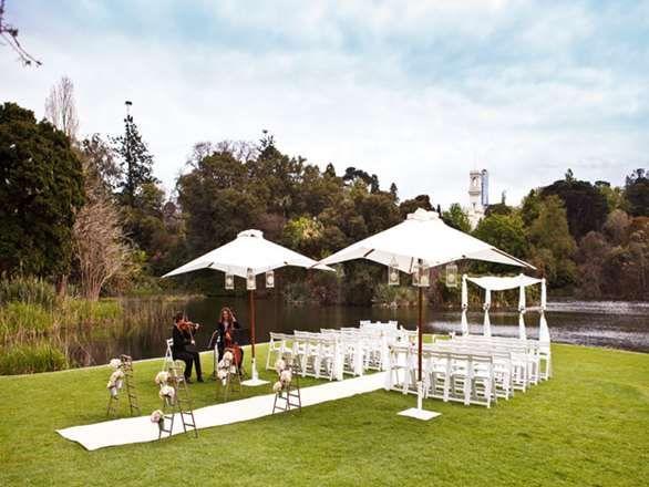 Melbourne wedding venue, Royal Botanical Gardens, intimate Melbourne wedding venue