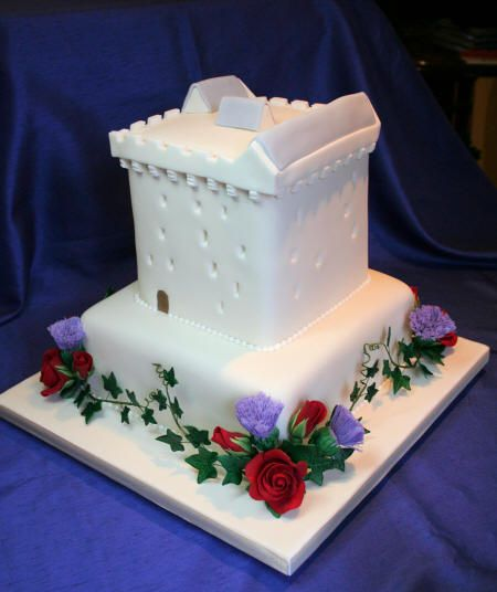 Comlongon Castle - Scottish Thistle & English Rose ...