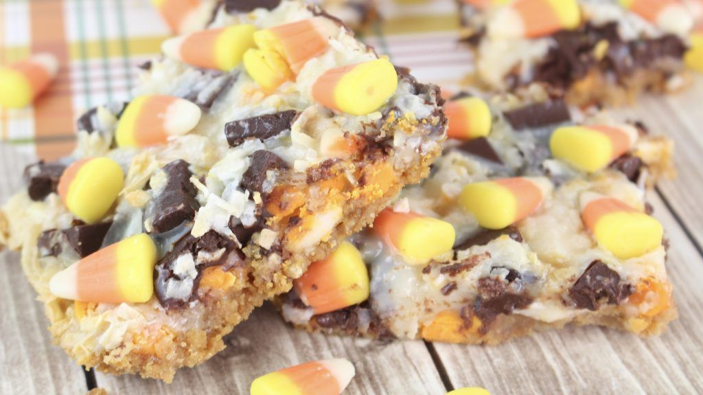 Candy Corn Cookie Bars Recipe #candycorncookies Candy Corn Cookie Bars #candycorncookies Candy Corn Cookie Bars Recipe #candycorncookies Candy Corn Cookie Bars #candycorncookies