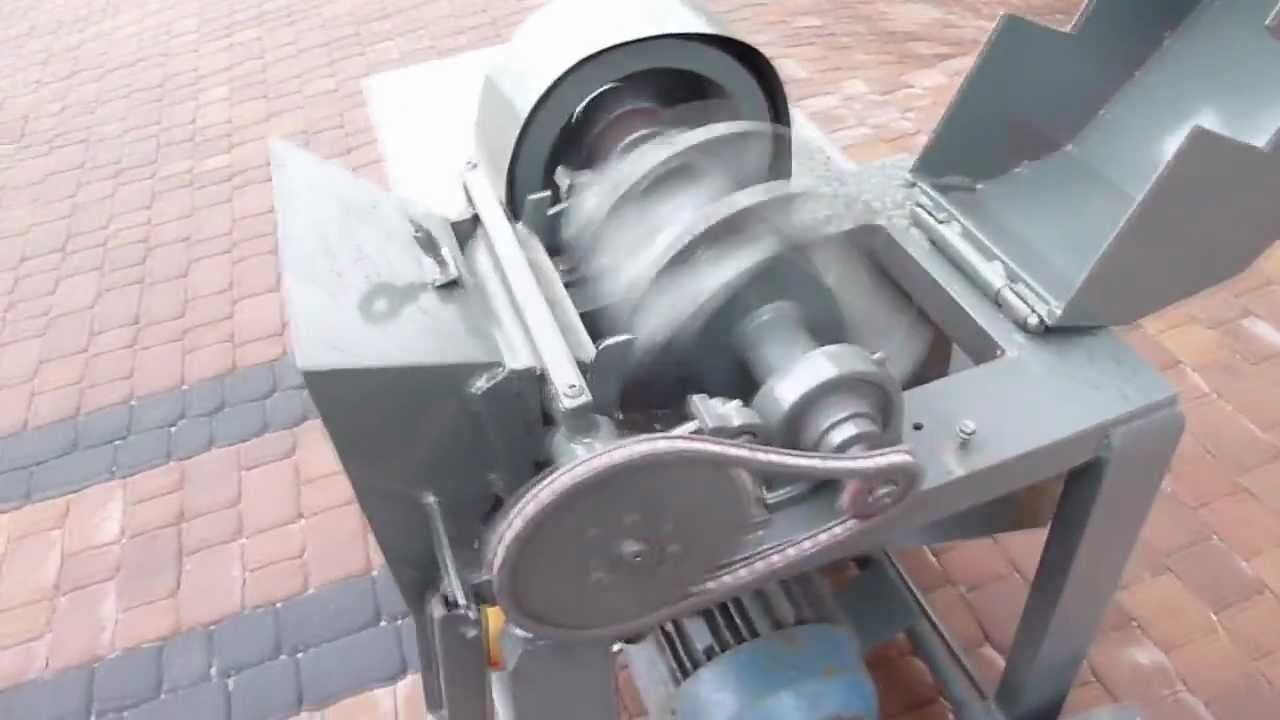 Wood chipper and splitter in one / Rębak i łuparka w ...