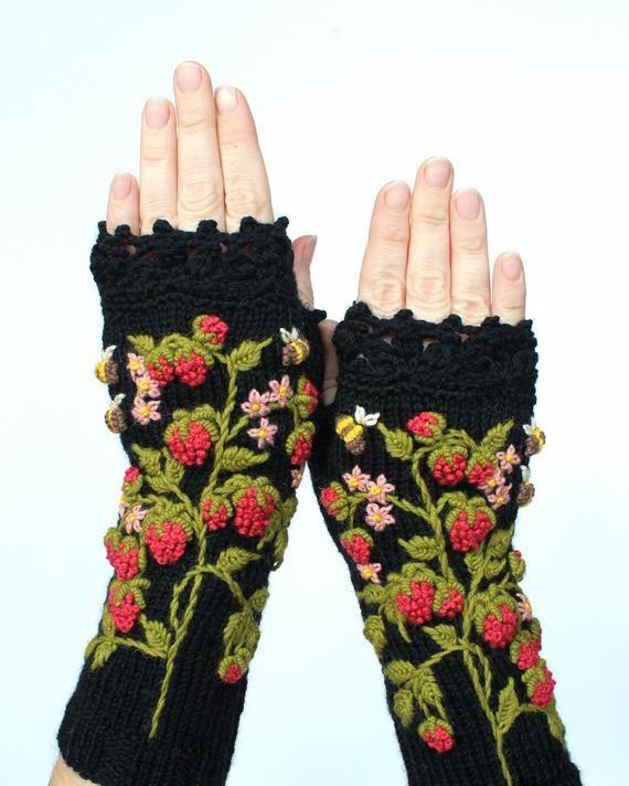 ed3ad0fe9 Black Gloves With Raspberries