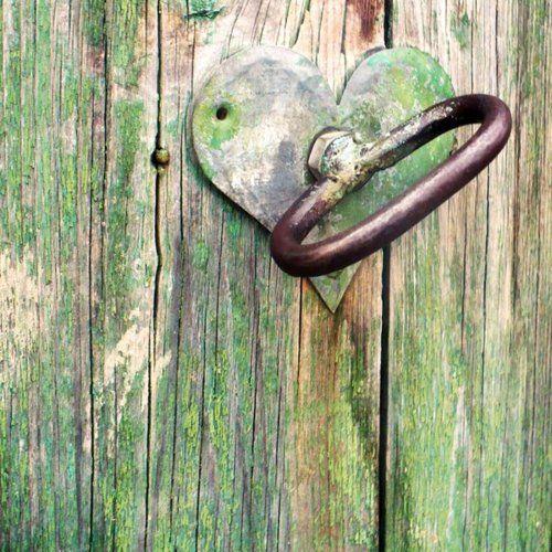Heart on a primitive door & Heart on a primitive door   Hearts   Pinterest   Doors