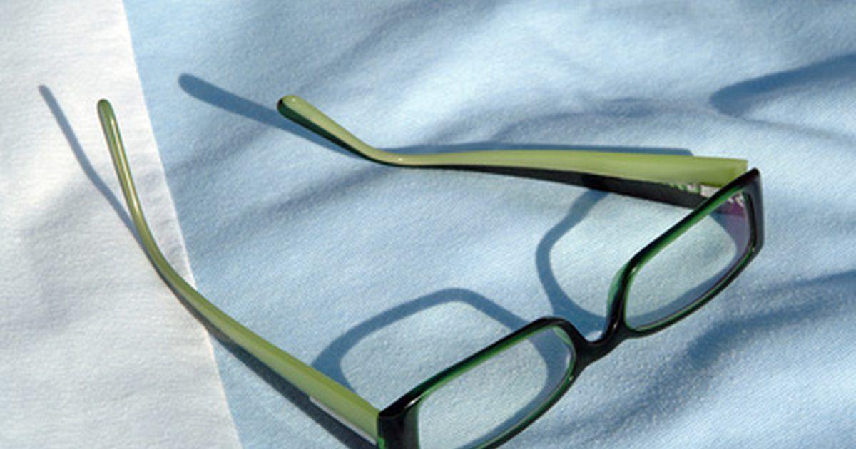 c2821425c Como ajustar óculos de acetato torto. As armações de óculos de acetato são  divertidas,