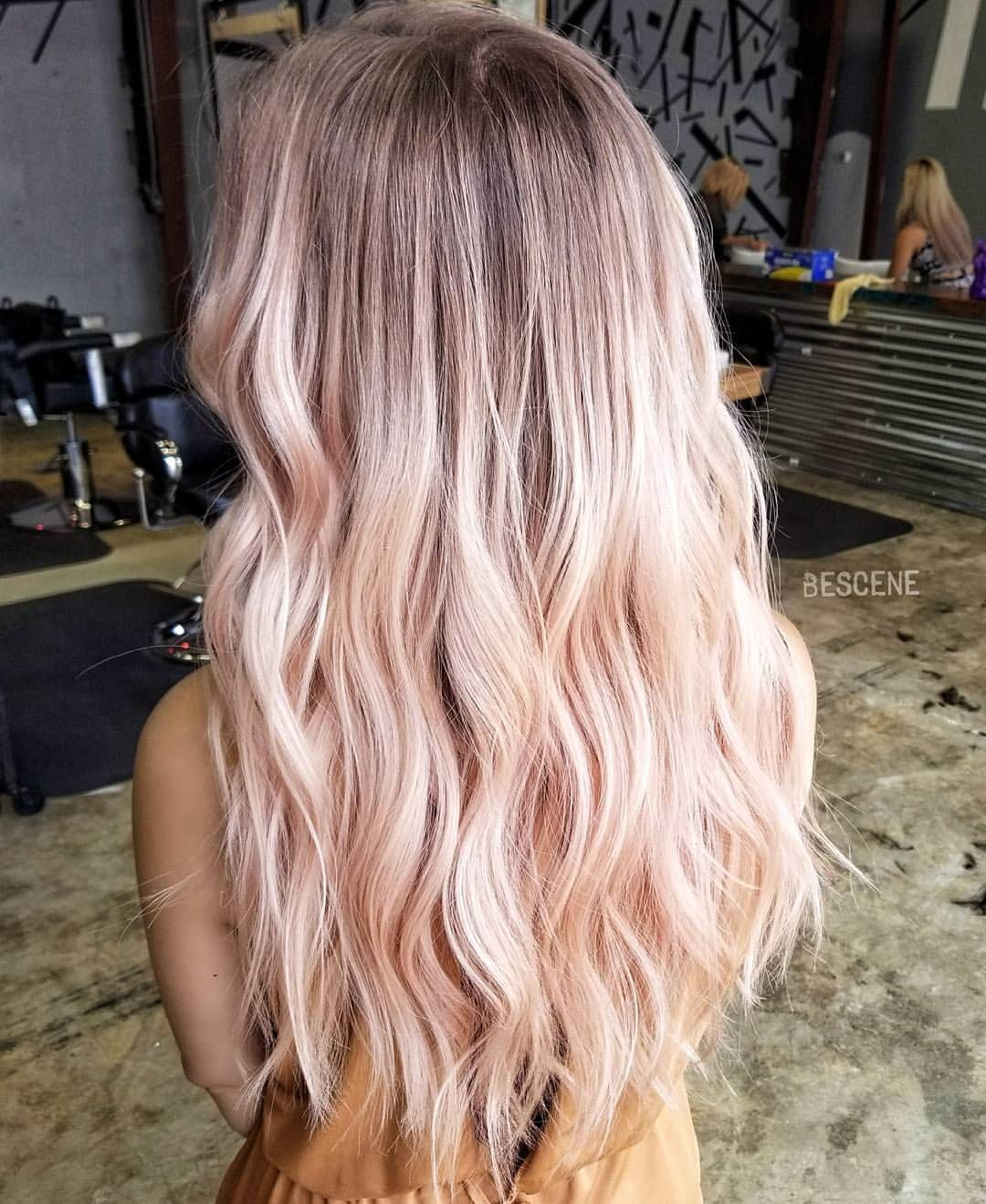 Were Crushing On This Lush Fall Rose🌹 - Behindthechair.com