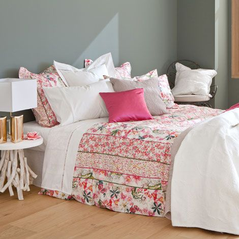 linge de lit fleurs imprim es linge de lit lit zara. Black Bedroom Furniture Sets. Home Design Ideas
