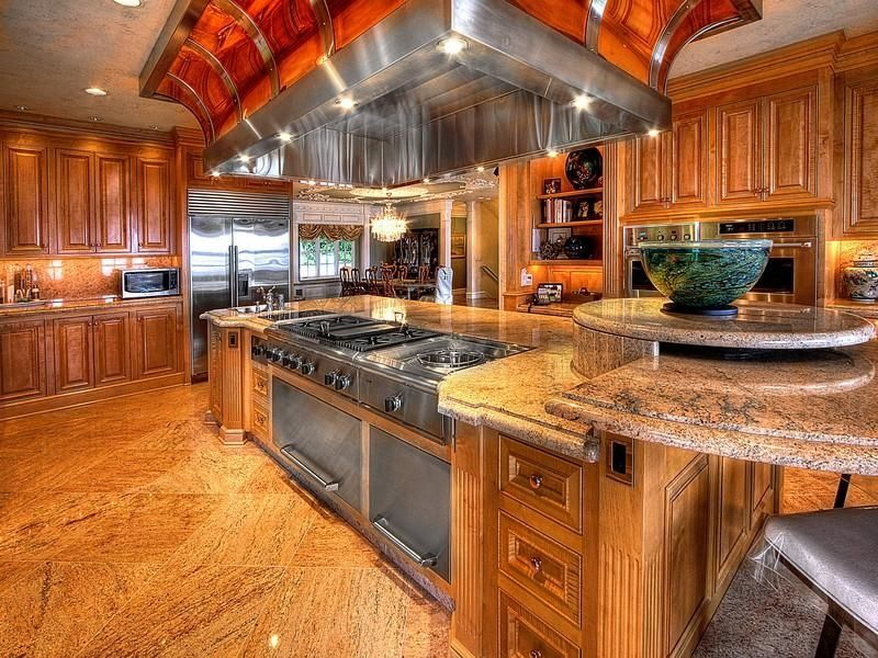 Tamaño muy grande // Johnson Point Beach House //  Encontrado en luxuryhomes.com