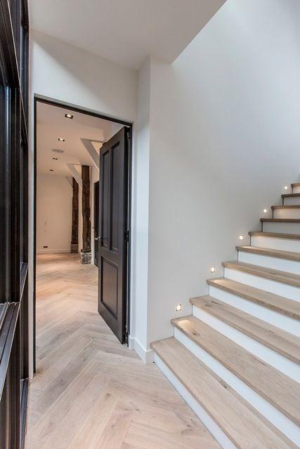 Floor and stairs #halinrichting