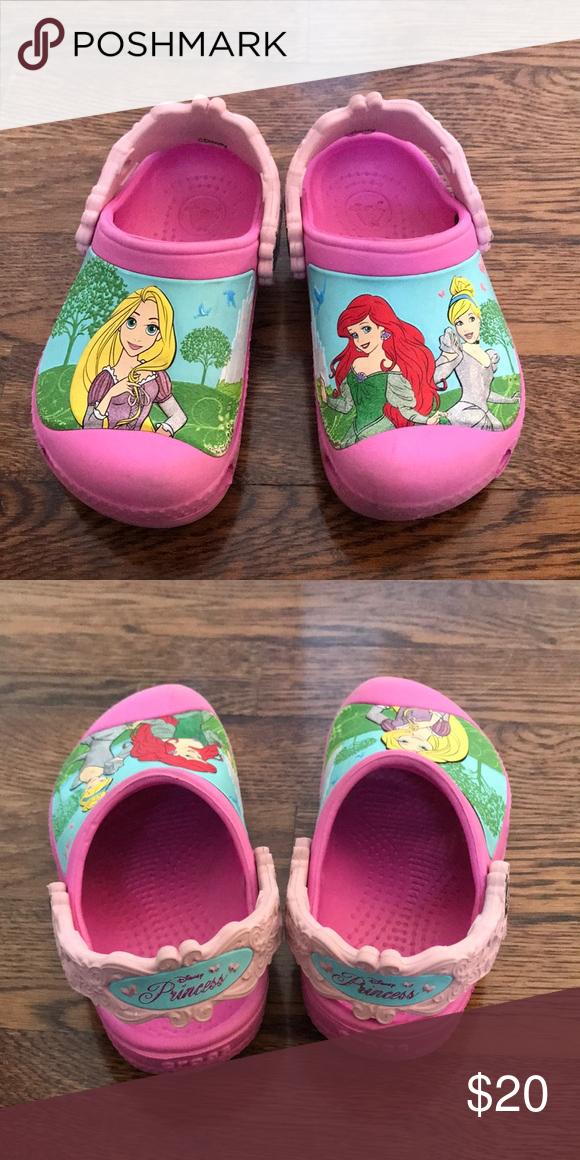 Girls Disney Princess crocs size 8/9