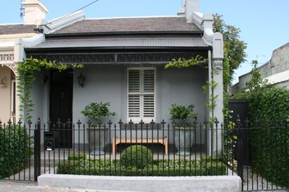 Simple elegant landscaping of a little single fronted for Cottage style homes melbourne