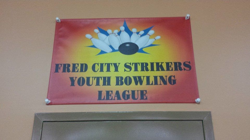 Fred City Strikers Youth Bowling League Uses Esigns Com Check Out Their Awesome Review Our Bowlers Parent Custom Vinyl Banners Vinyl Banners Custom Banners