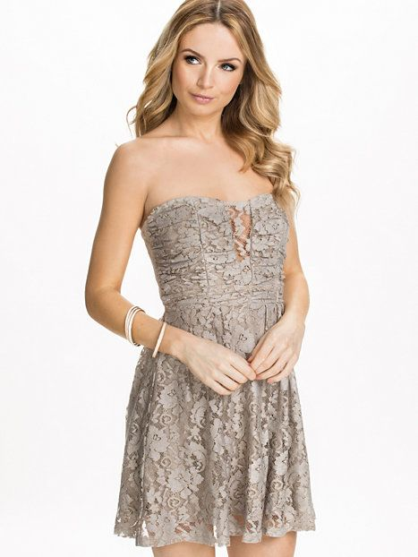 Heartshaped Lace Dress - Nly Blush - Grau - Partykleider - Kleidung ...