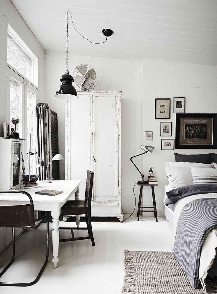 Photo of White-Room11
