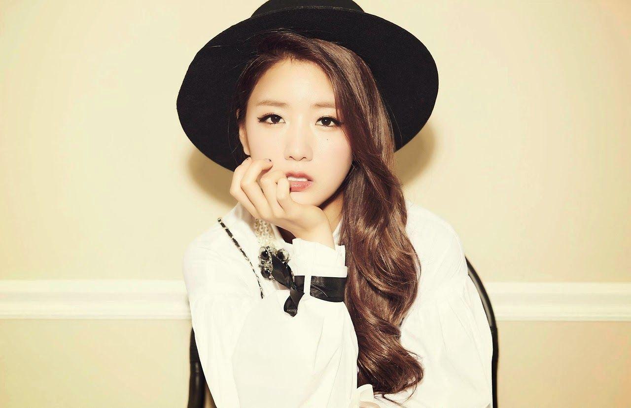 baekhyun bomi dating glee couples dating in real life
