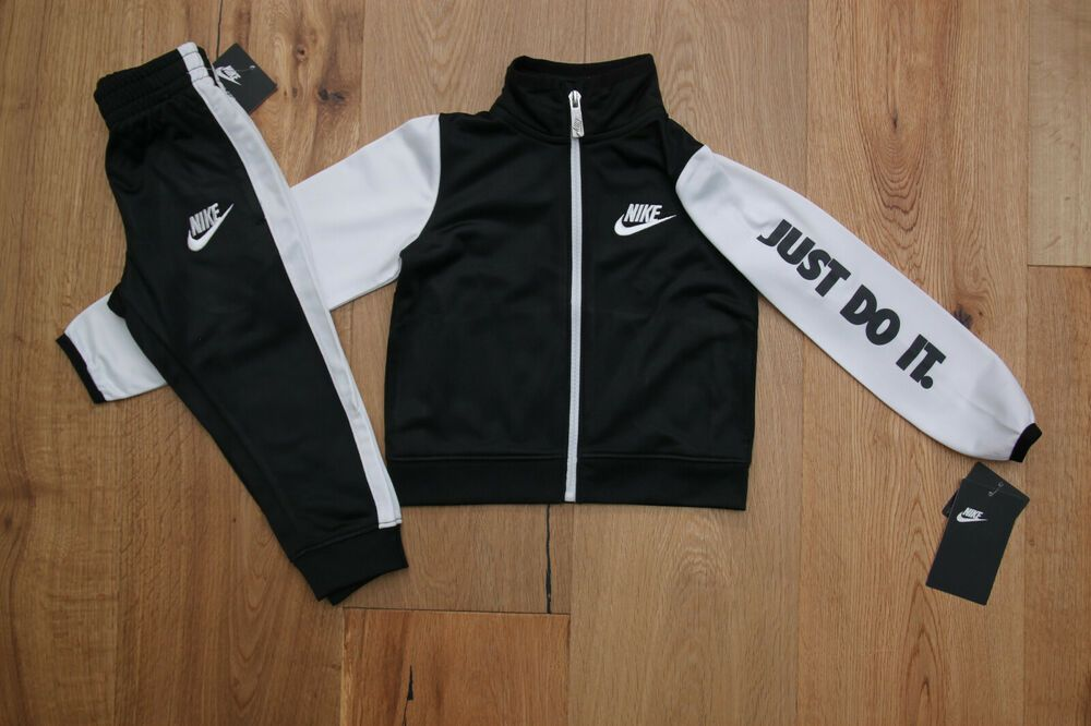 Nike Baby Boys Long Sleeve Bodysuit and Joggers 2-Piece Outfit Set