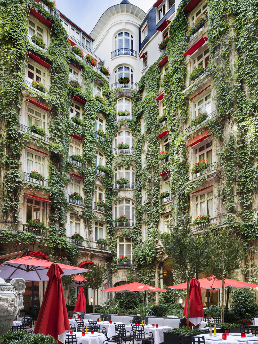 La Cour Jardin At Hotel Plaza Athenee Dorchester Collection In 2020 Best Paris Hotels Plaza Athenee Plaza Athenee Paris