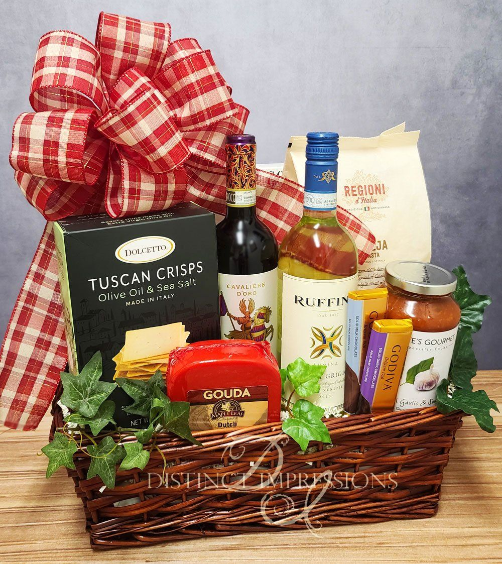 Italian Tuscan Feast Wine Gourmet Basket Best Las Vegas Gifts In 2020 Gourmet Gift Baskets Gourmet Baskets Gourmet Gifts