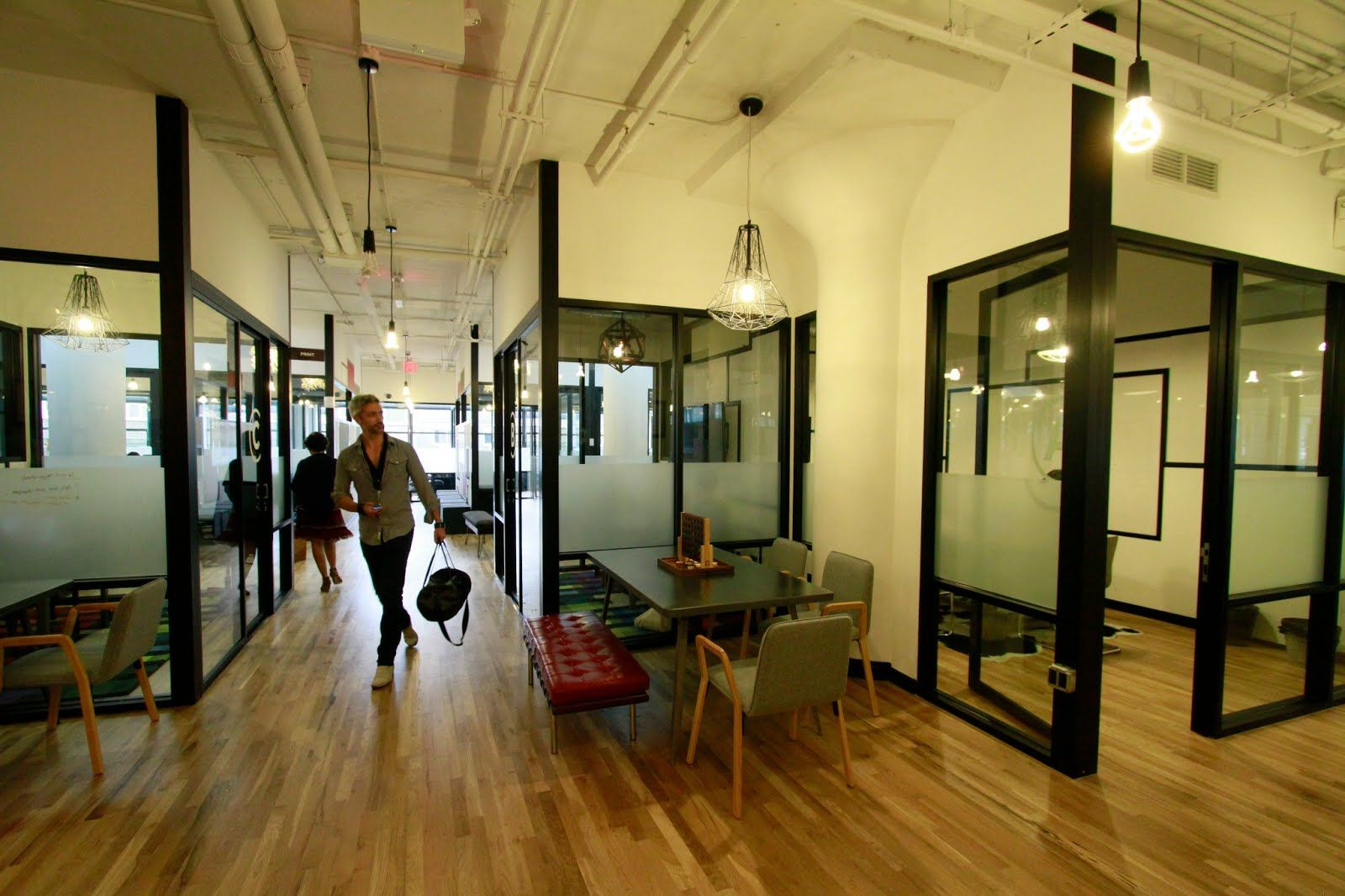 Brick interior decorating office space google search for Shared office space montreal