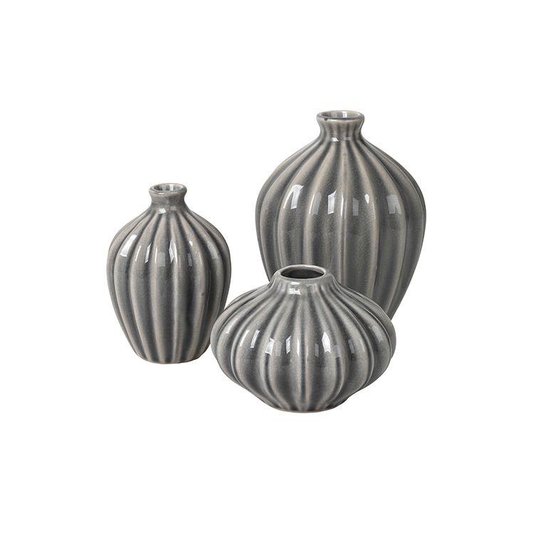 Grey Vase Set This Gorgeous Set Of Ribbed Vases Make A Lovely