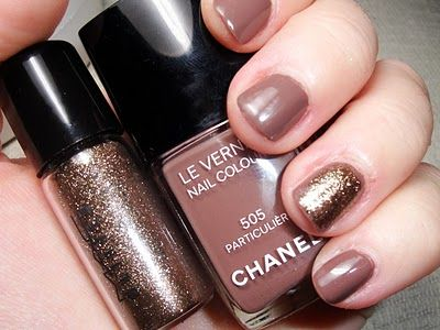 Photo of Pretty much always have a glitter accent nail. Fun way to spice up an otherwise …