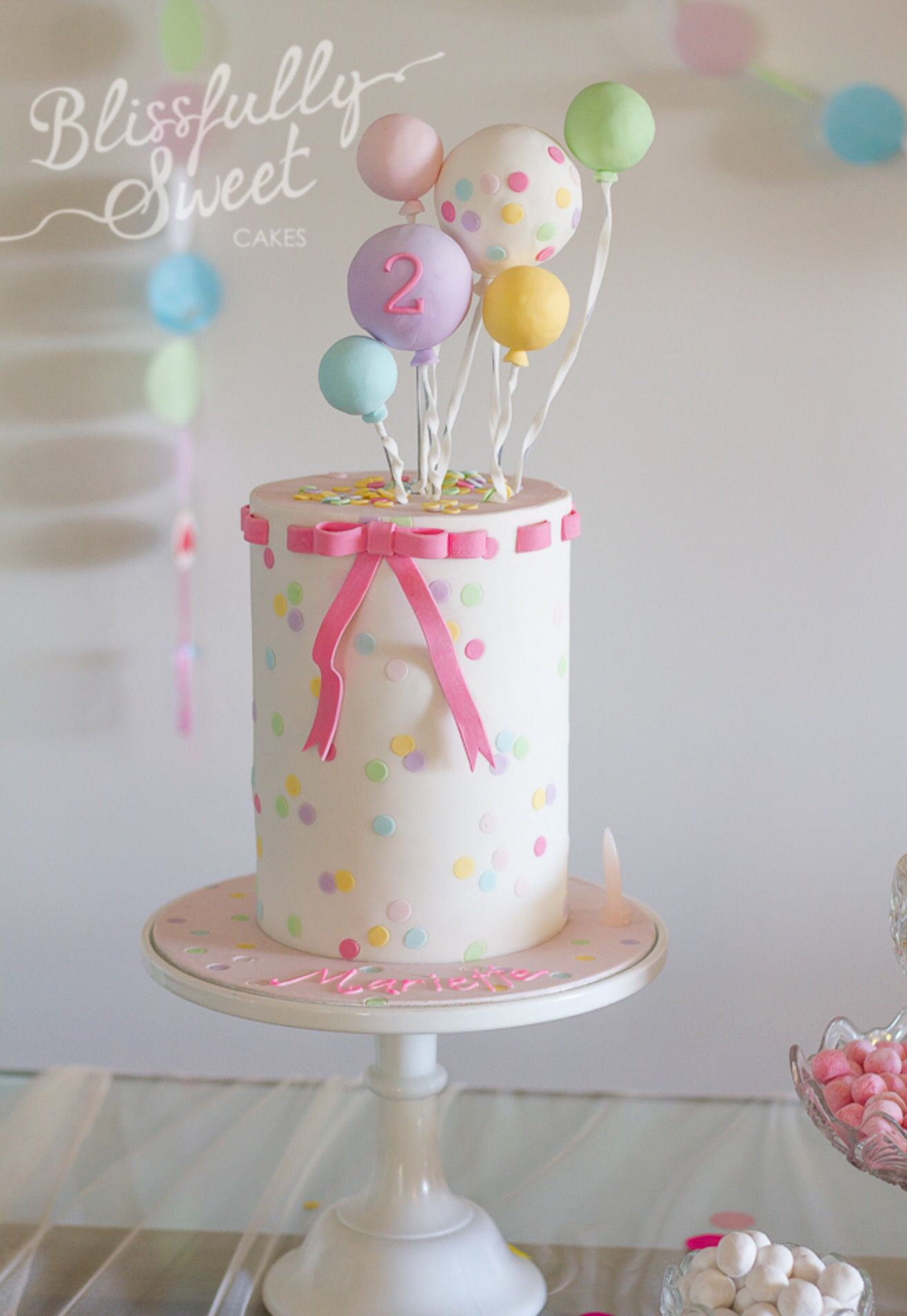 Pretty balloon cake