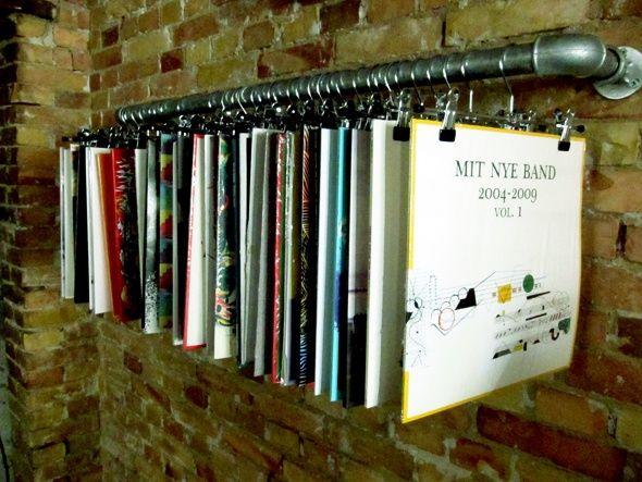 10 Lindisimas Formas De Ordenar Tus Vinilos Mundo Flaneur Vinyl Record Display Record Display Record Room
