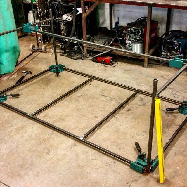 Merveilleux #metalwork #steel #welding #weld #table #coffeetable #diningtable # Furnituredesign #furniture #productdesign #design #interiordesign  #interiordeco ...