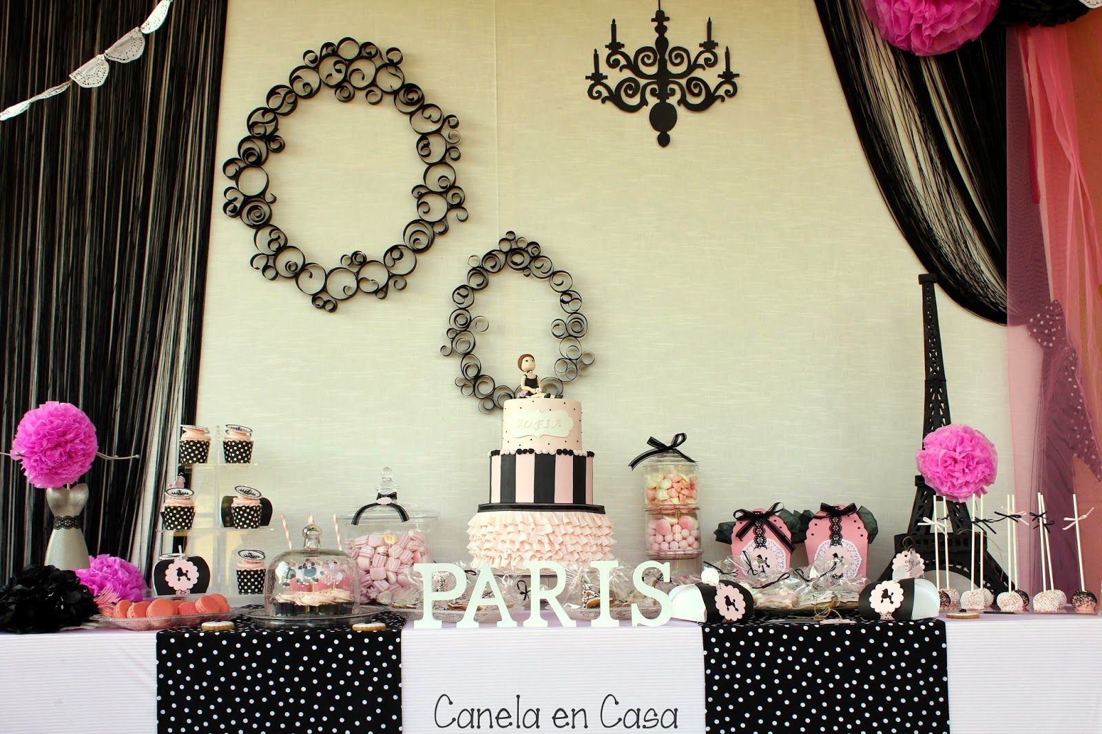 9a3ba1542 Centros de mesa elegantes torre eiffel buscar con google Fiestas elegantes  decoracion