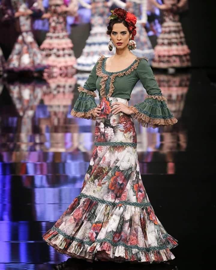 Fascinante peinados flamenca 2021 Fotos de los cortes de pelo de las tendencias - Pin de Marianela Higgins en Flamenco   Vestidos de ...