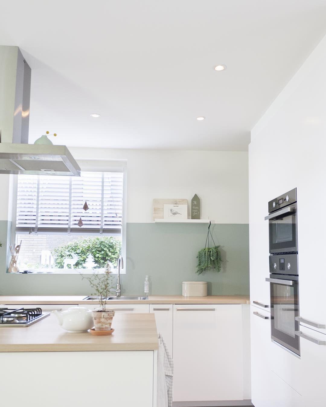 Küche mit grüner Wand   Küche skandinavisch   Pinterest   grüne ...