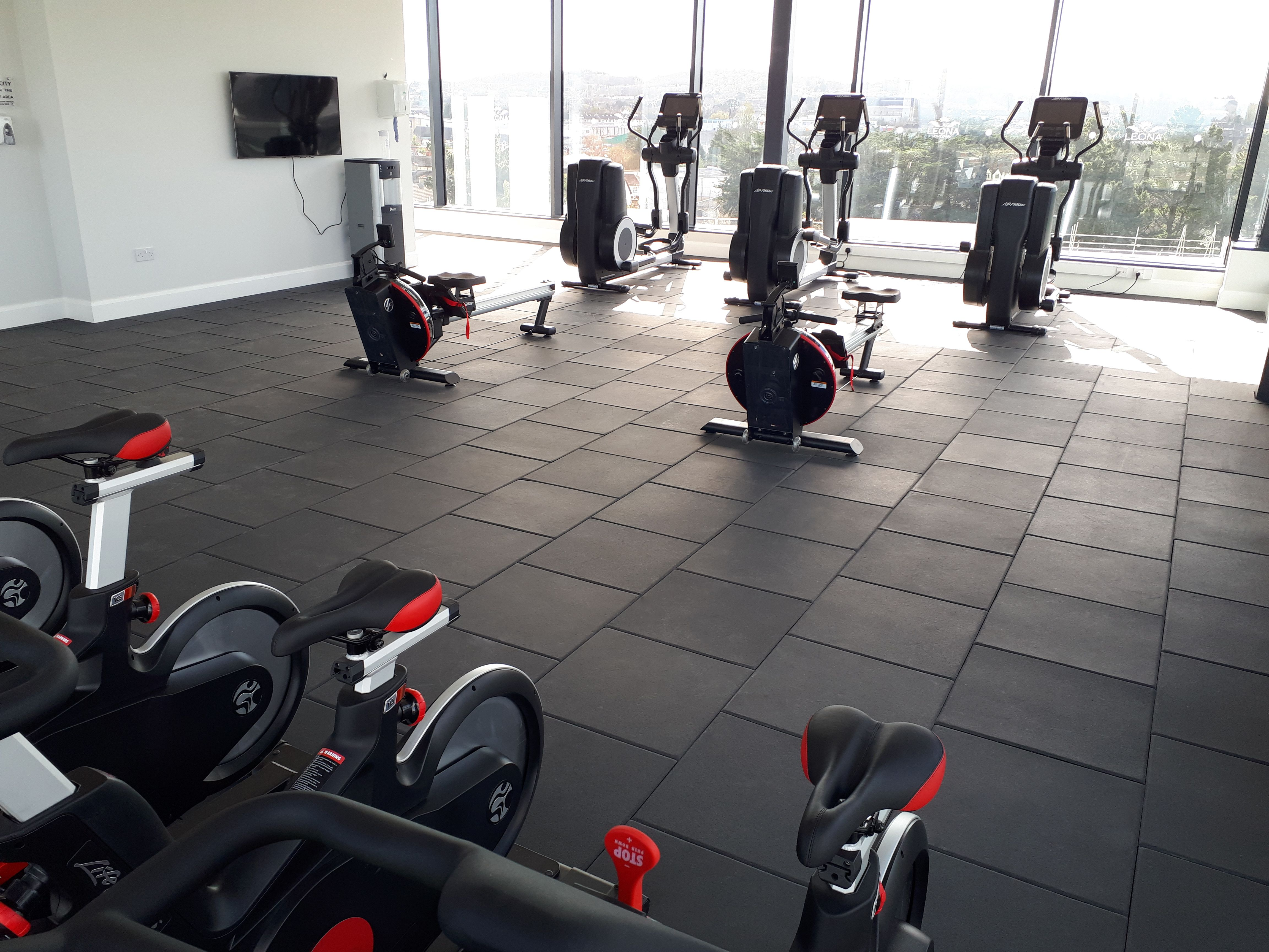 Gerflor S Vulcanised Rubberflooring Powershock 300 Has Been Used To Fit Out This Stunning 360 Degree Gym At Honeypark Ap Floor Workouts Apartment Case Study