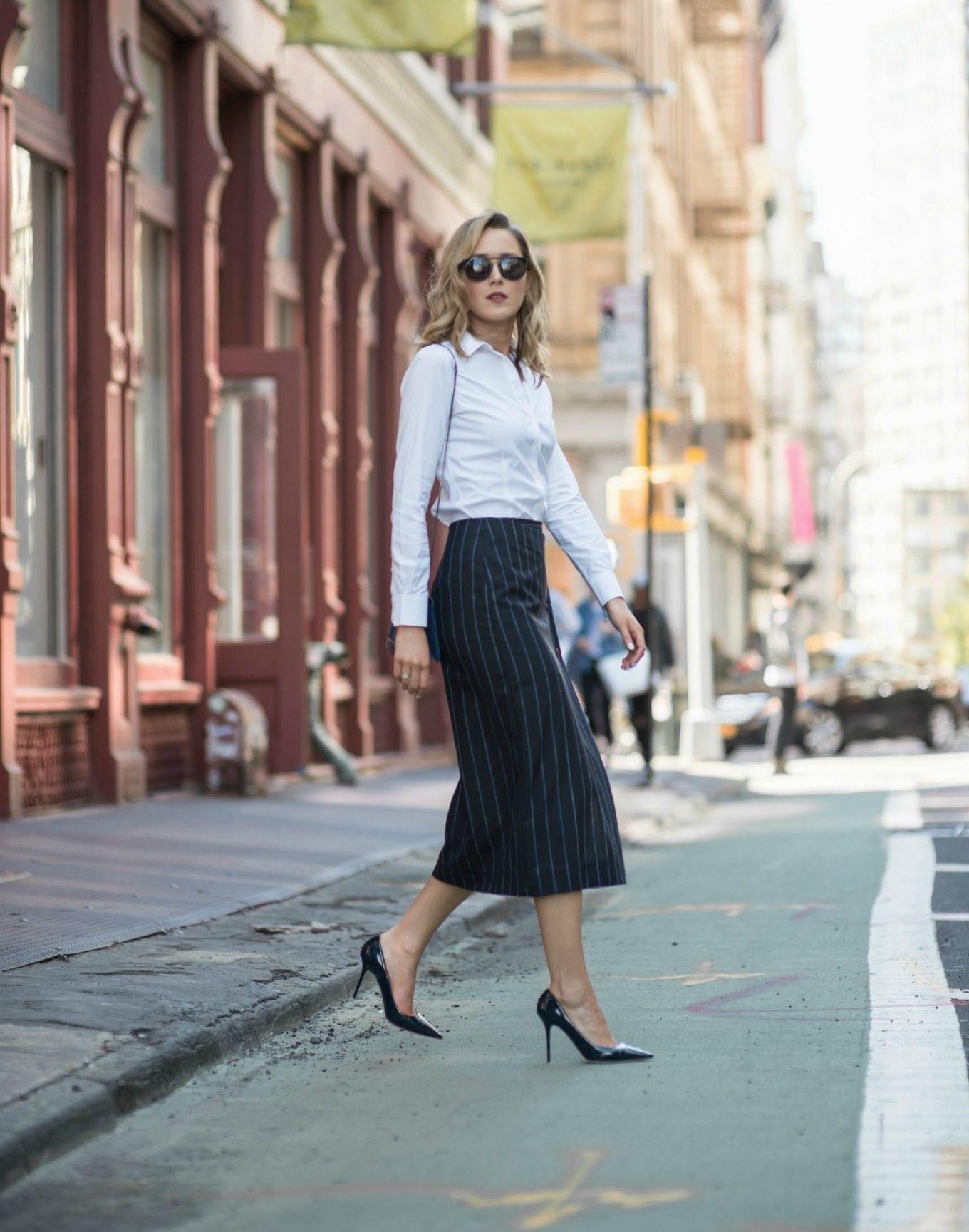 87bb8e68a644ef navy-pinstripe-midi-pencil-skirt-collared-button-down-shirt -jimmy-choo-classic-pumps-work-office-wear-style-fashion-blog3