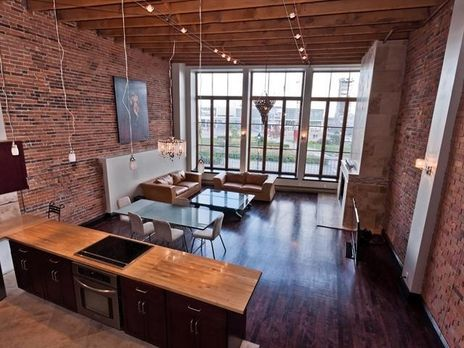 $898,000 in Montreal, QC