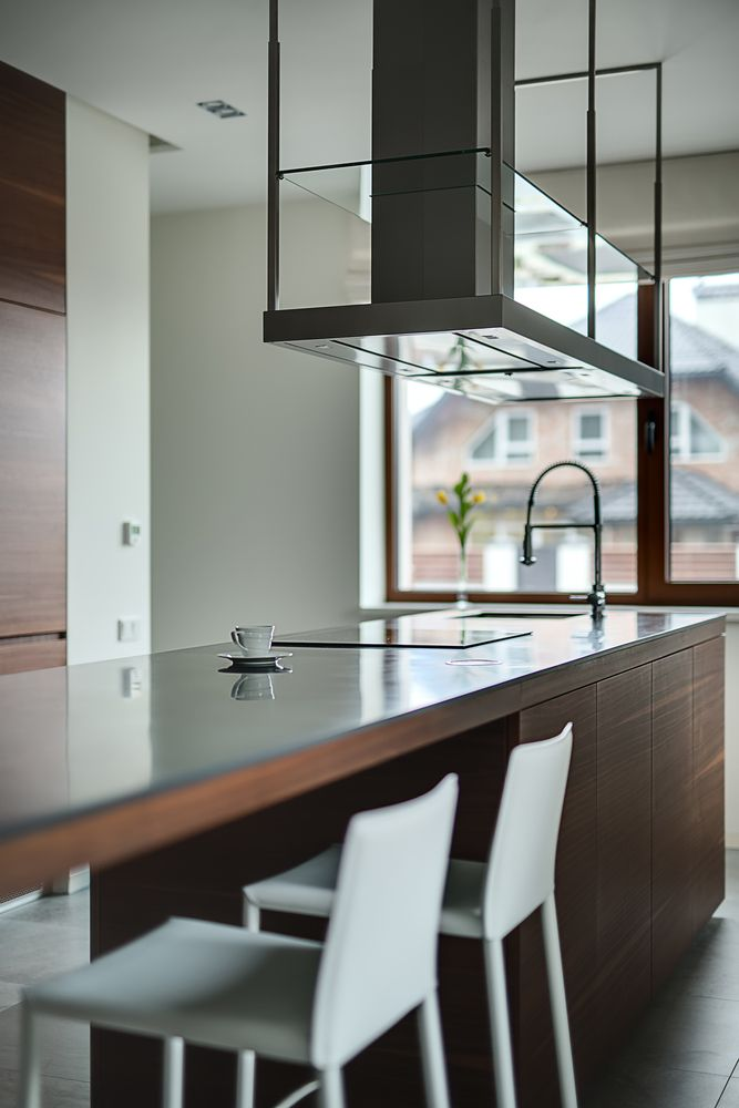 Love This Range Hood Style! Check Out These Tips On Choosing The Right One  For