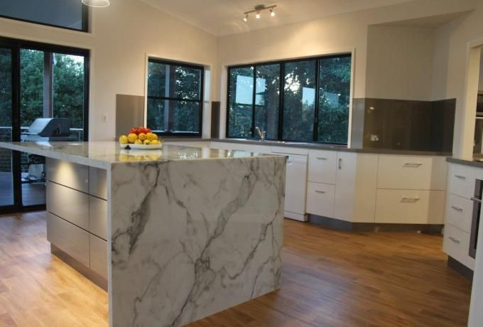 Entrant Choice Kitchens Month September Products Used Breakfast Bar Benchtop Lamine Kitchen Inspiration Design White Gloss Kitchen Grey Kitchen Floor