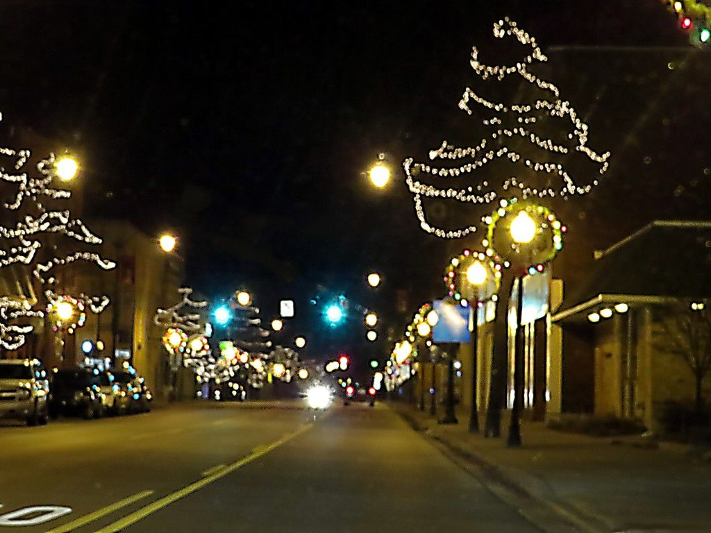 Local Christmas Light Displays alpena michigan   The downtown district is historic in Alpena, MI. Its old restored ...