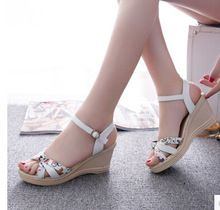 a2ed21d71 2016 New Women s Fashion 6CM Summer casual flat wedges Floral Lattice  sandals high-heeled platform beach female shoes(China (Mainland))