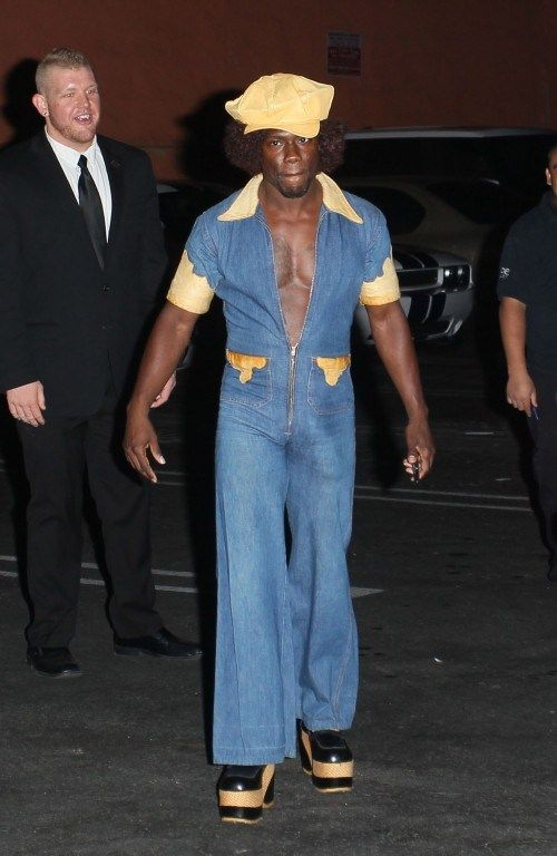 kevin hart is a fool look at his halloween costume lol