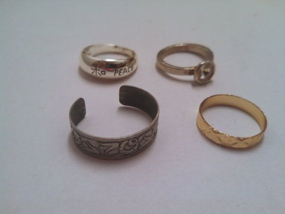 4 Costume Rings for Wear Repairs or Crafts by MICSJEWELSGALORE