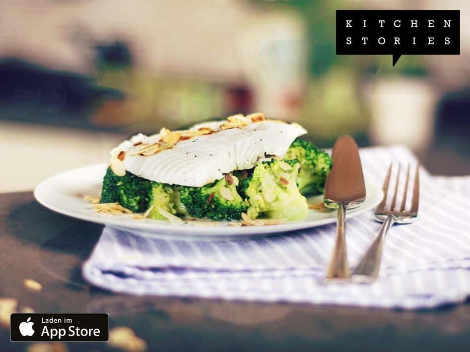 """Ich koche gerade """"Heilbutt in Thymian-Milch mit Brokkoli"""" mit @1KitchenStories - Download http://itunes.apple.com/app/id771068291"""