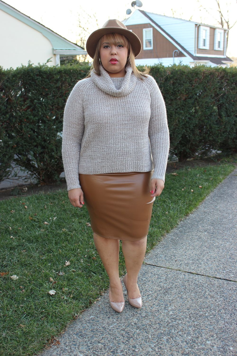 Tan Leather Skirt | Plus size fashion, Fashion bloggers and Leather