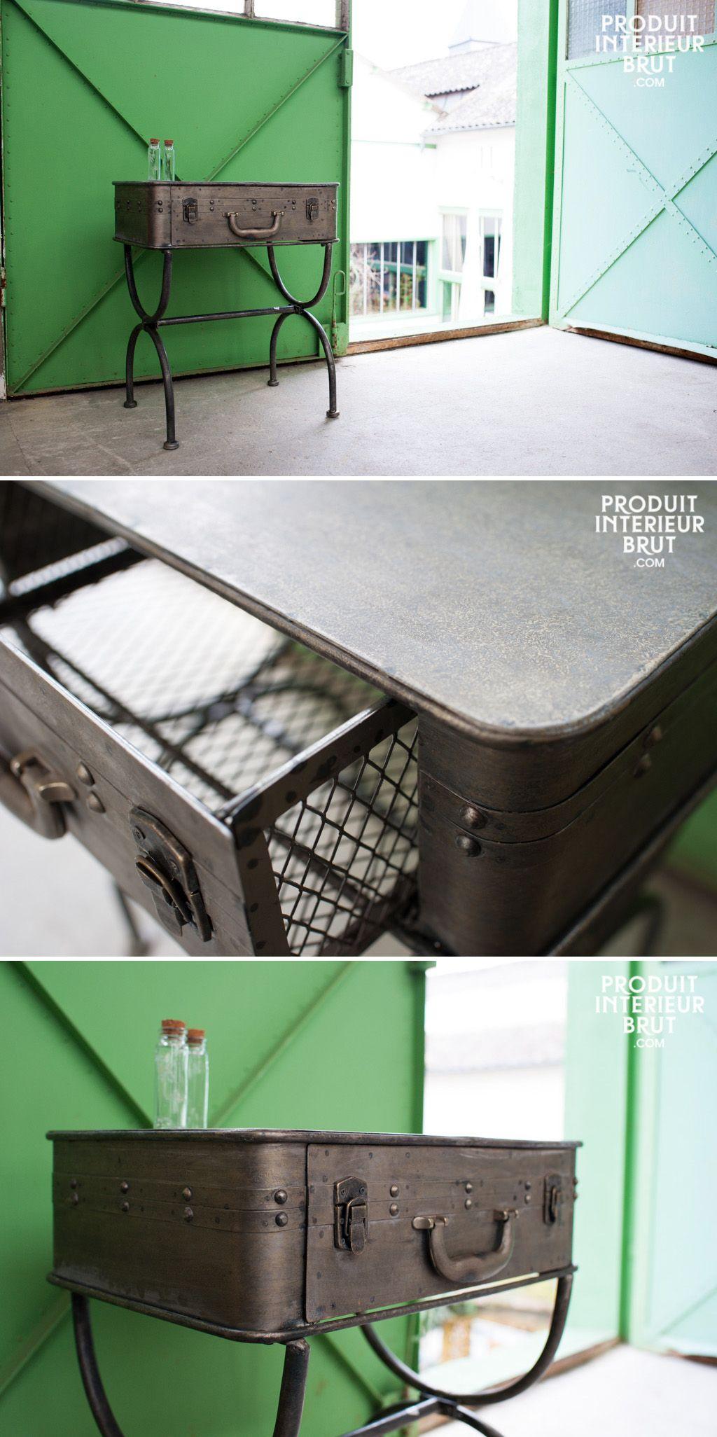 Dieser praktische Tisch wird Ihrer Inneneinrichtung gute Laune verleihen. Sie wird besonders im Eingangsbereiech neben dem Kleiderständer perfekt sein.