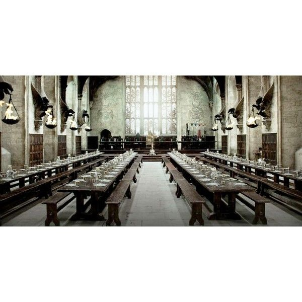 Hogwarts Castle ❤ liked on Polyvore featuring harry potter, hogwarts, backgrounds, pictures and hp