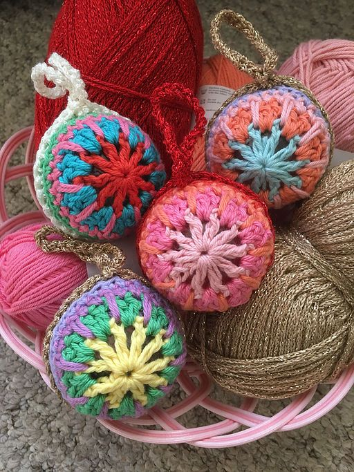 Crochet Christmas Bauble Pattern Ollie Bella For The Love Of