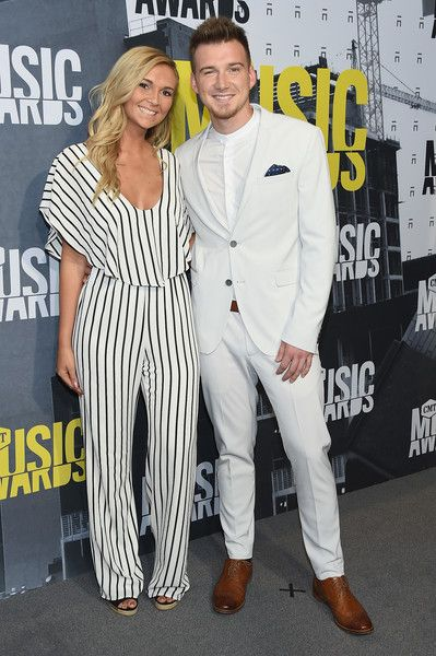 Morgan Wallen And Fiancee Cmt Music Awards Music Awards 2017 Cool Outfits