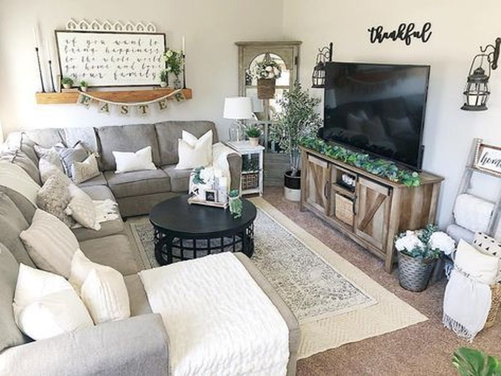 50 Beautiful Small Space Living Room Decoration Ideas Sweetyhomee Farm House Living Room Farmhouse Decor Living Room Sectional Living Room Small