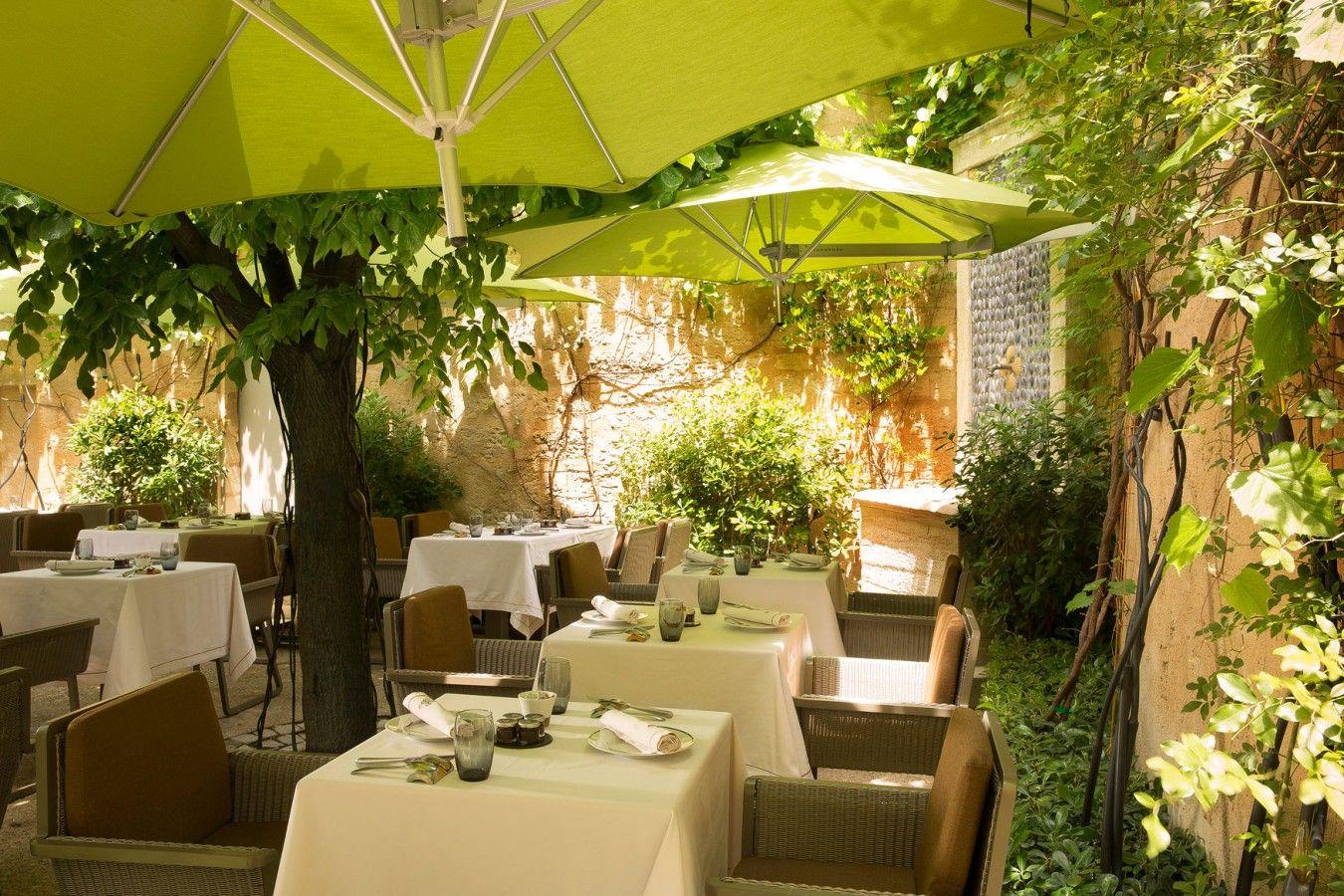 Restaurant Gastronomique Gard A Uzes La Table D Uzes Site Officiel Hotel Restaurant 5 Etoiles Avec Spa A Uzes Gard Re Hotel Restaurant Maison Hotel