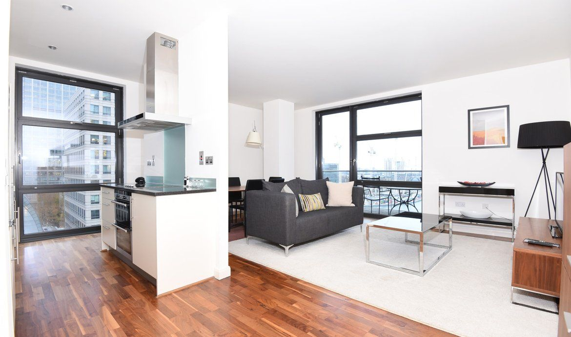 Flat to rent in Discovery Dock West, Canary Wharf, E14 | Daniel Cobb ...